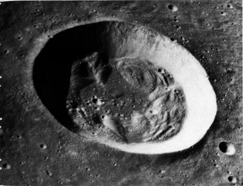 На Луне произошел мощный взрыв после падения метеорита массой 40 килограмм