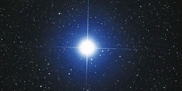 Найдена звзда в 300 раз больше Солнца