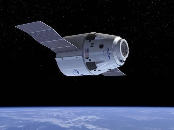 К МКС успешно стартовал космический грузовик Dragon