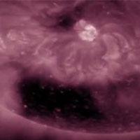 Учеными обнаружена квадратная «дыра» на Солнце