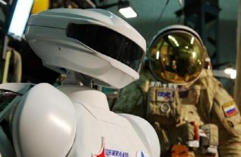 Человекообразный робот-космонавт будет представлен в России