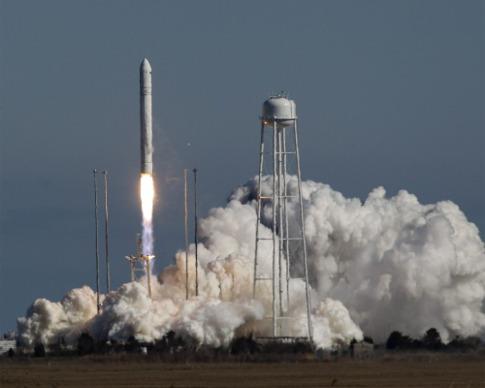 Самарские двигатели с успехом вывели на орбиту американскую ракету Antares
